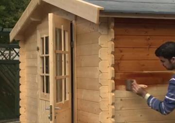 Gartenhaus streichen