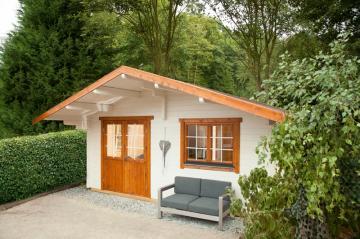 Wolff Finnhaus Holz-Gartenhaus Ferienhaus mit Satteldach Lappland 70- C- 70 mm Blockbohlen