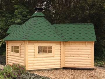 Wolff Finhaus Grillkota 9 de luxe inkl. grünen Dachschindeln, mit Anbau, Maße: (B x T in cm): 380 x 550 - naturbelassen
